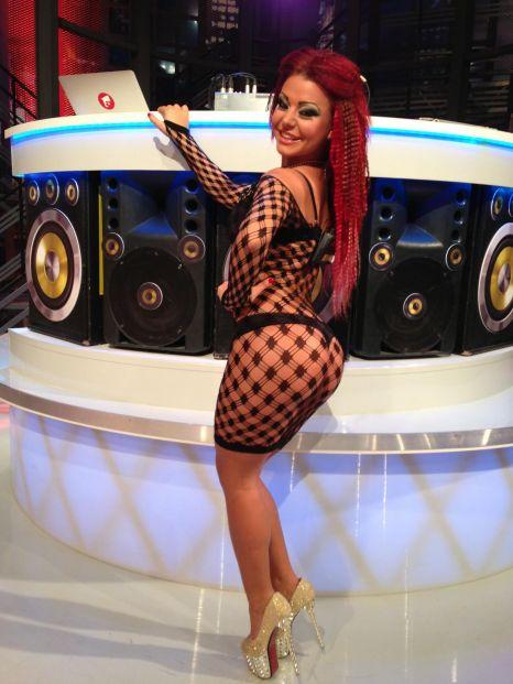 Ana maria mocanu and loredana chivu dancing in club - 3 part 6